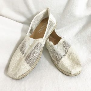 Toms / Classic Lace Slip Ons Size 7